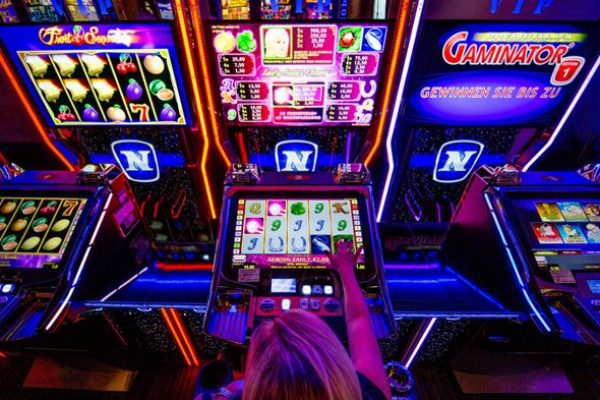 Which Casino Games Have the Best and Worst Odds to Win?